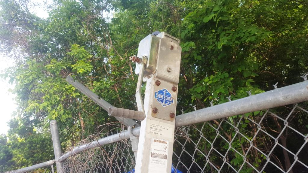 Shore Station Hoist Dock Mount PWC 650 Used