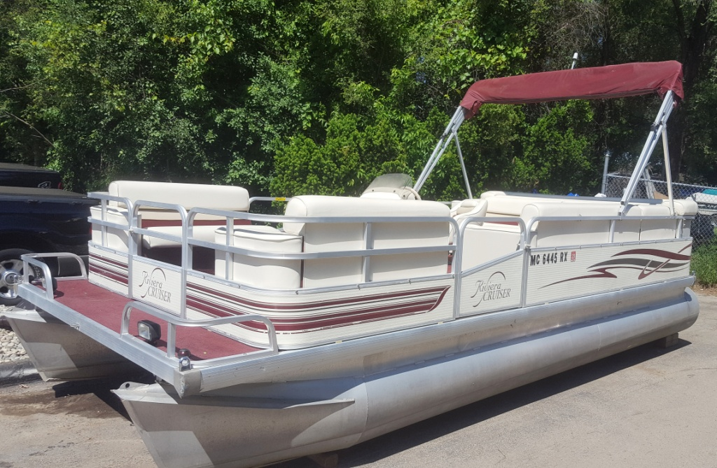 1999 Riveria Cruiser 20' Pontoon Boat