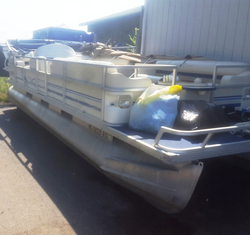 1998 Crest 25 II Pontoon Boat