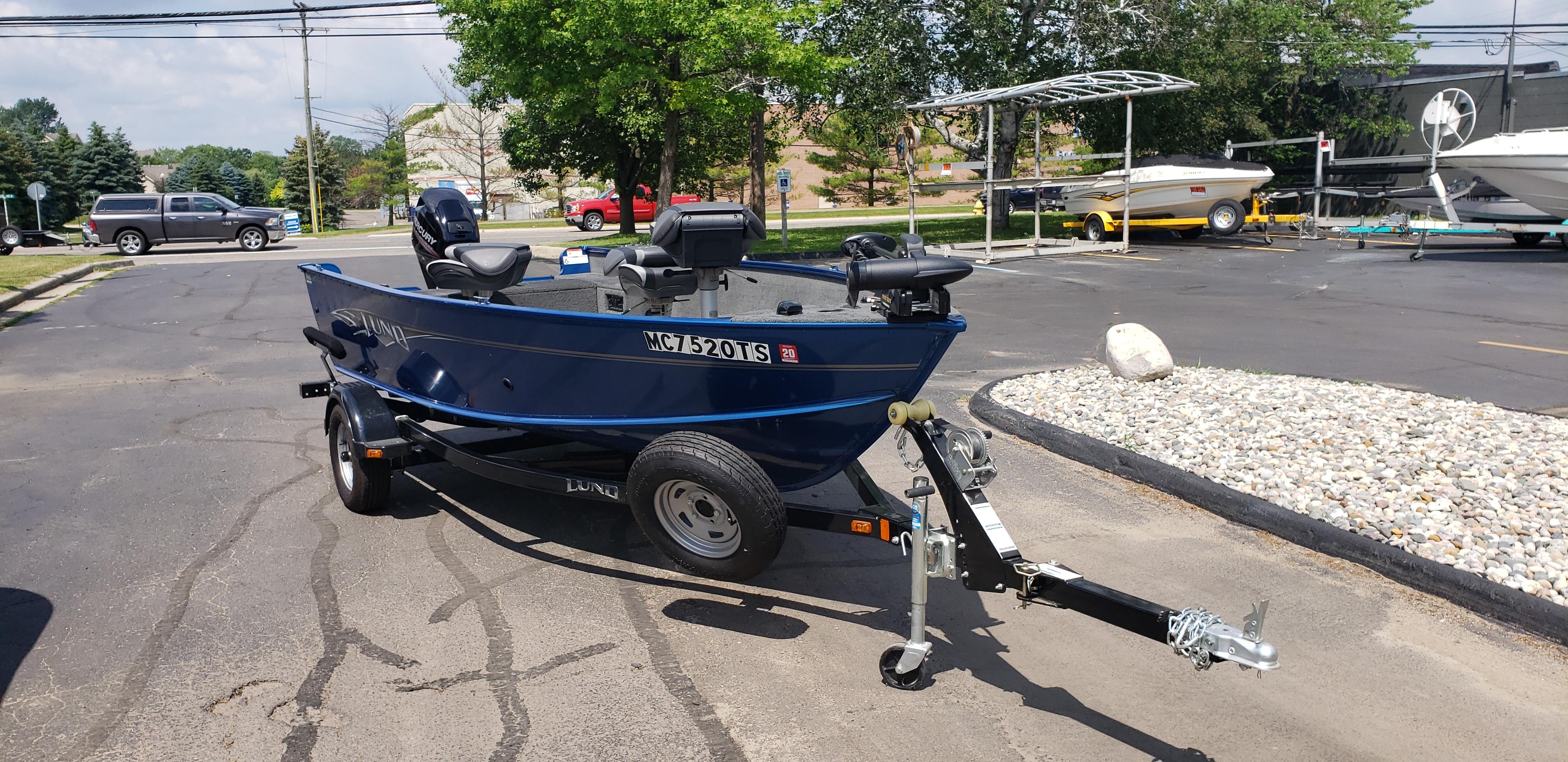 2014 Lund 1625 Fury Fishing Boat