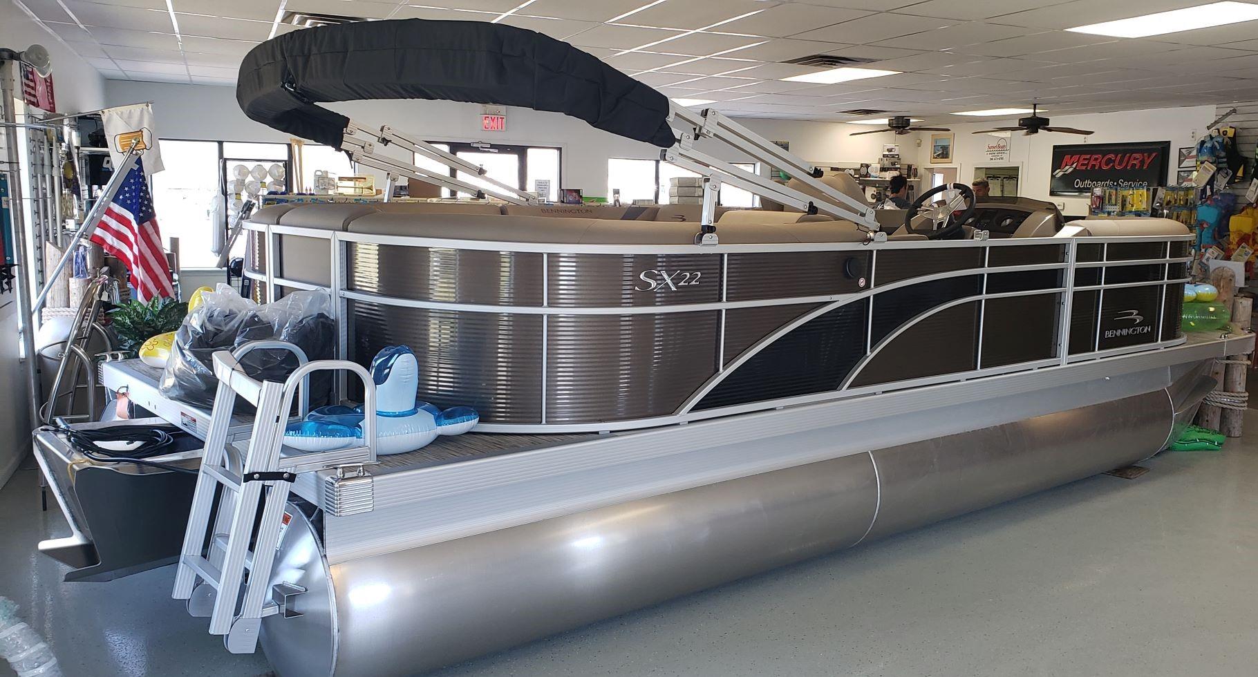 2020 Bennington 22 SSRCX Pontoon Boat