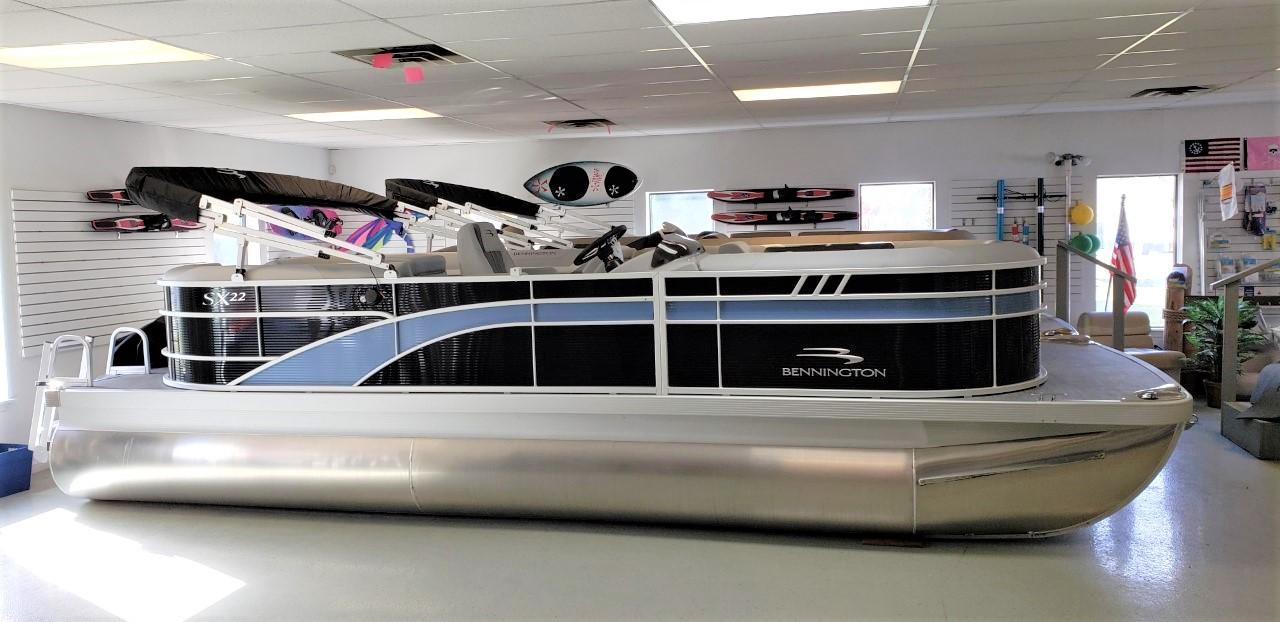 2021 Bennington 22 SSRCX Pontoon Boat