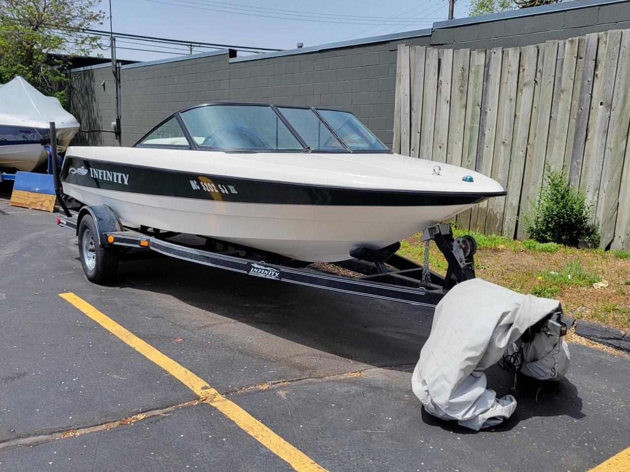 2001 Infinity ZX-1 21' Ski Boat
