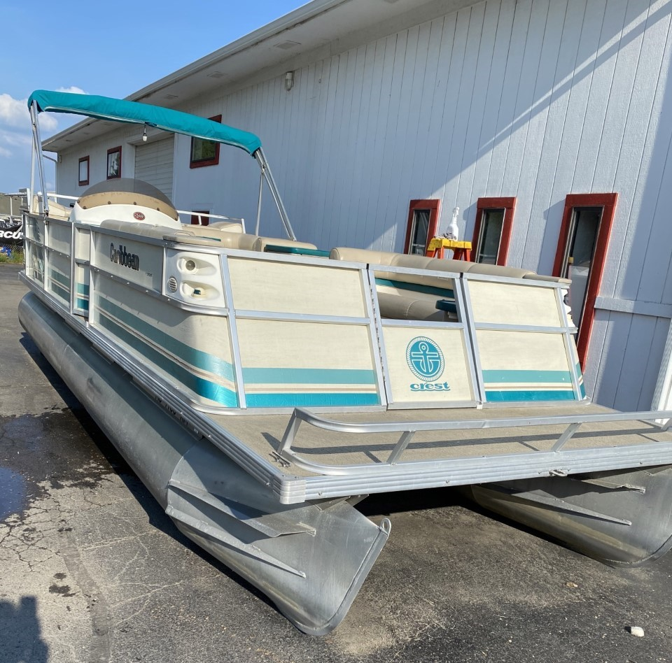1997 Crest 25' Caribbean Pontoon Boat