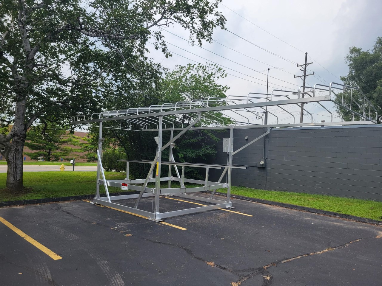 2021 Great Lakes Lift 4000 LB Capacity Lift With Canopy